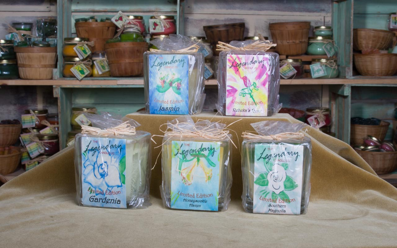 Floral 12 Ounce Scented Jar Candles